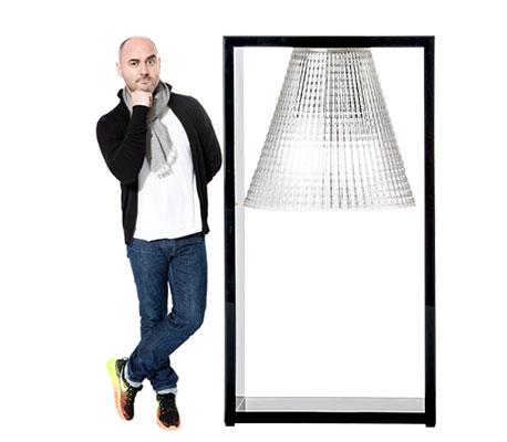 Eugeni Quitllet et la lampe à poser Light-Air
