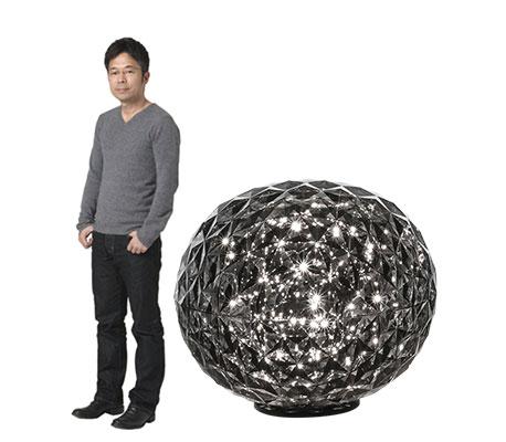 Tokujin Yoshioka et la lampe à poser Planet