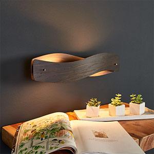 Applique LED avec placage en chêne colonial Lian