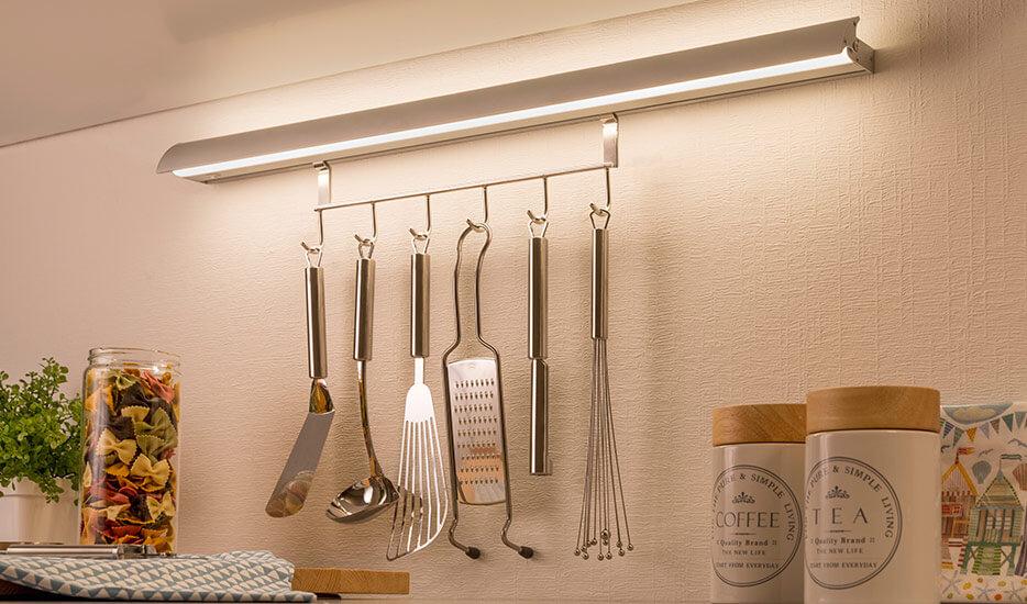 Colonne LED Swing Kitchen avec crochets pratiques (7600872)