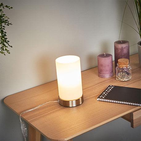 Lampe à poser LED cylindrique Levka en verre