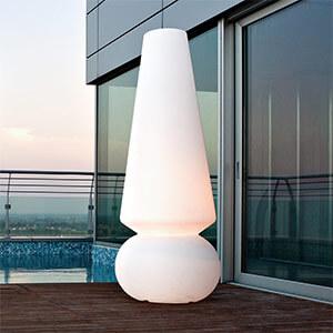 Existe-t-il des lampadaires pour ma terrasse ?